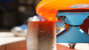 Penny Skateboards. Tabla estilo penny skateboard naranja con azul Royalty Free Stock Photos
