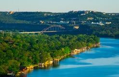 PennyBacker桥梁或360座桥梁风景登上Bonnell视图 免版税库存图片