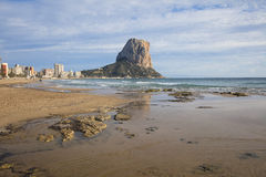 Penon de Ifach i Calpe, Alicante, Spanien Royaltyfri Fotografi