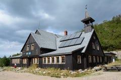 Pensão Samotnia da montanha em montanhas de Karkonosze Imagem de Stock Royalty Free