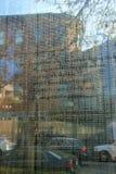Pensées des survivants de l'holocauste gravé à l'eau-forte sur la section du verre, Boston, le Massachusetts, automne, 2013 Photos libres de droits