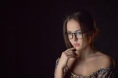 Pensador hermoso de la muchacha Fotografía de archivo