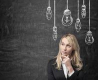 Pensamento da mulher de negócios imagem de stock royalty free