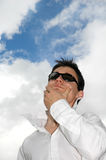 Pensamento do homem novo foto de stock royalty free