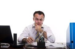 Pensamento ocupado do homem de negócios Fotos de Stock Royalty Free