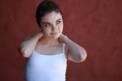 Pensamiento adolescente confiado de la muchacha Fotos de archivo