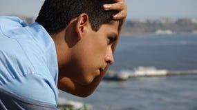 Pensamiento adolescente confuso Imagen de archivo