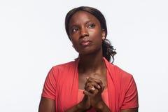 Pensamiento afroamericano joven de la mujer, horizontal Fotografía de archivo