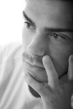Pensamiento cercano del hombre joven del handsone del retrato Imagen de archivo