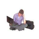 Pensamiento con su ordenador portátil Imagen de archivo libre de regalías