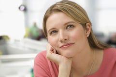 Pensamiento de la mujer Imagen de archivo libre de regalías