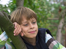 Pensamiento del muchacho Foto de archivo libre de regalías