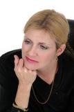 Pensamiento ejecutivo de la mujer de negocios Foto de archivo