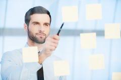 Pensando alla soluzione Immagine Stock