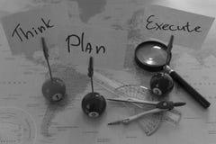 Pense, planeie, execute B&W (Englisch) Fotos de Stock