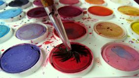 Penseel en kleur-Doos Royalty-vrije Stock Afbeelding