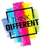 Pensi differente Concetto creativo del segno di tipografia di vettore della spazzola Fotografia Stock Libera da Diritti