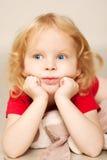 Pensiero del piccolo bambino immagini stock libere da diritti