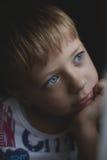 Pensiero del ragazzo Fotografie Stock Libere da Diritti