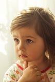 Pensiero sveglio del bambino Fotografia Stock Libera da Diritti