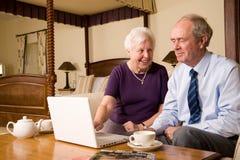 pensionär för sovrumparhotell arkivbild