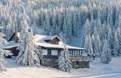 Pension dans les montagnes Photographie stock libre de droits
