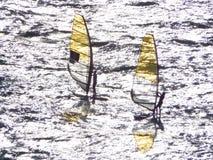 Pensionanti della vela sul mare Immagini Stock