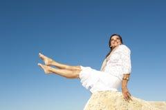 Pensione attiva della donna felice esterna Fotografia Stock