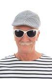 Pensionerad man för stående Arkivfoton
