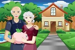 Pensionerat folk med deras besparingar Royaltyfria Bilder