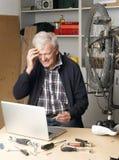 Pensionerat manarbete Fotografering för Bildbyråer