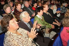 Pensionista - audiência do concerto da caridade Foto de Stock