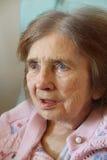 Pensionista femenino feliz Fotografía de archivo