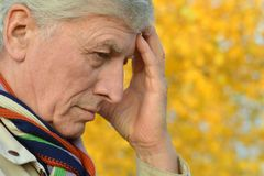 Pensive elderly man Royalty Free Stock Photos