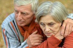 Pensive old couple Royalty Free Stock Photography
