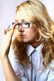 Pensiveness Mädchenmanager. Stockbild