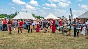 Pentacle bębnienia ansambl, Tewkesbury Średniowieczny festiwal, Anglia fotografia royalty free