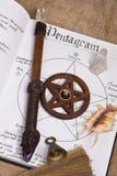 Pentagram - libro de Wiccan de sombras Fotografía de archivo libre de regalías