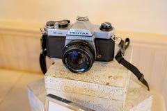 Pentax旭区K1000 35mm影片照相机 库存图片