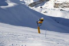 Pente de ski avec snowmaking Photos libres de droits