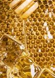 Pente frio do mel imagens de stock
