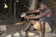 Pentecôte, république du Vanuatu, le 21 juillet 2014, hommes indigènes Photographie stock libre de droits