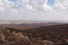 Pentes de montagne de Hebron avec le désert du Néguev Photos libres de droits