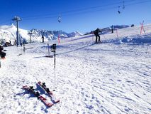 Pentes de ski dans Bansko, Bulgarie Photos stock