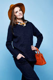 Pentola del vestito dell'abbigliamento del cashmere della lana di posa di fascino del modello di moda della donna Immagine Stock