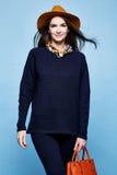 Pentola del vestito dell'abbigliamento del cashmere della lana di posa di fascino del modello di moda della donna Fotografie Stock