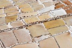Pentole a terrazze del sale immagini stock