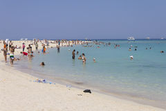 Peopke访问的海滩海岛在Hurghada 免版税库存照片