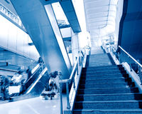 People at the airport escalator Royalty Free Stock Photography