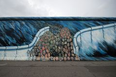 People through Berlin wall Royalty Free Stock Images